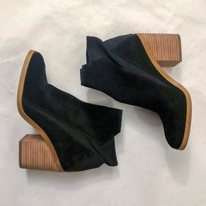 Katy Perry black velvet booties